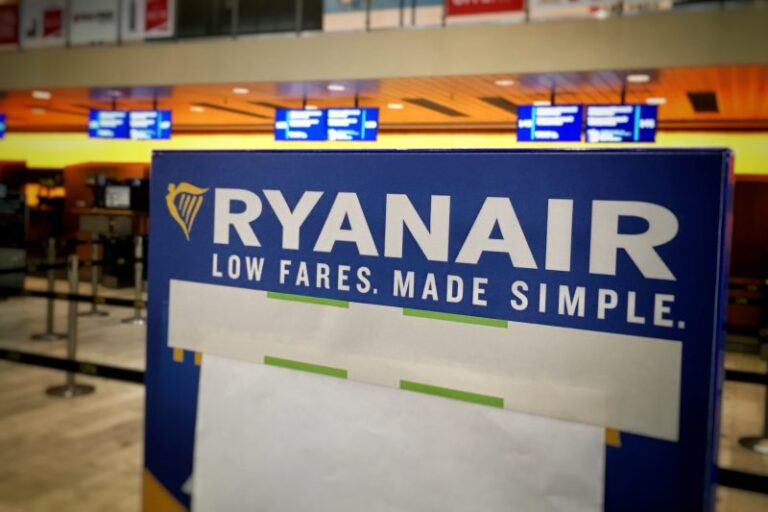 Tyske Ryanair-piloter på spring til at opruste irsk julestrejke - flyvebranchen.dk